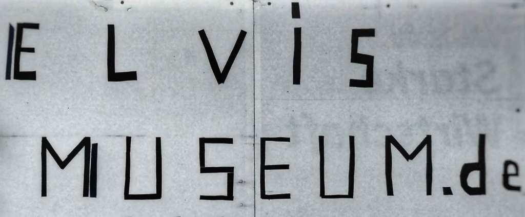MIND WORK SIGNS OF LIFE ELVIS MUSEUM de