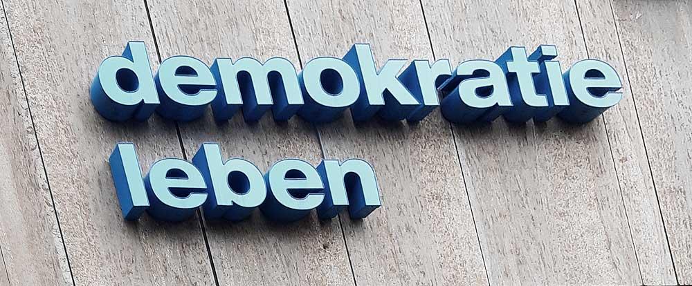 mind work Martin Blum demokratie leben signs o the life